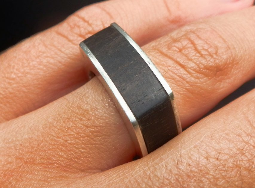 blokring zilver en ebbenhout